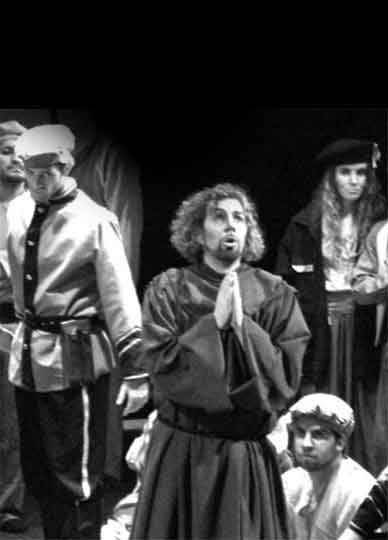 Melitone-Forza-del-destino-Teatro-Avenida-buenos-aires-luciano-miotto